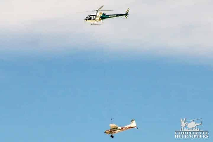 Mexico helicopter crane carrying plane