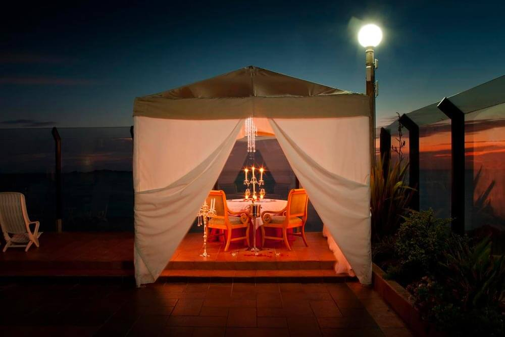 Romantic dinner during the Mexico Baja Premier helicopter tour