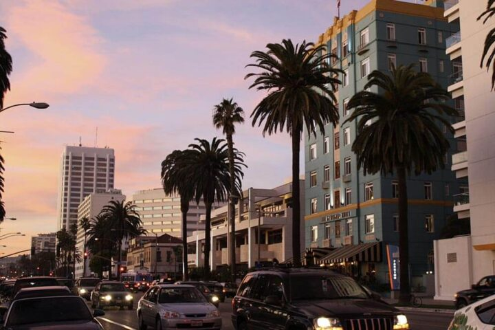 Santa Monica. By Mike Gonzalez (TheCoffee) - Own work, CC BY-SA 3.0, https://commons.wikimedia.org/w/index.php?curid=13276300